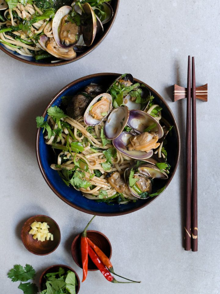 sizzled clams with noodles