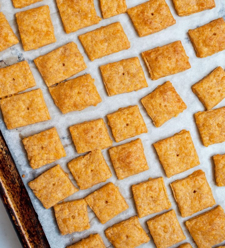 baked cheez-its