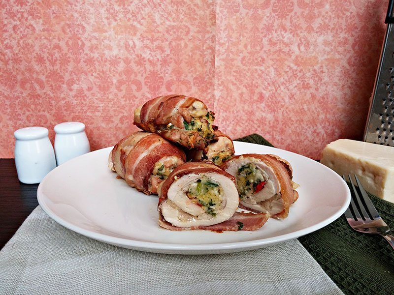 bacon wrapped cheese stuffed chicken