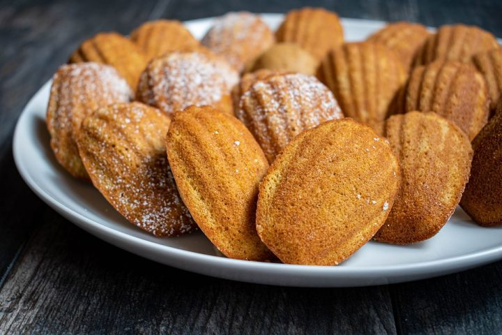 the finished madeleines