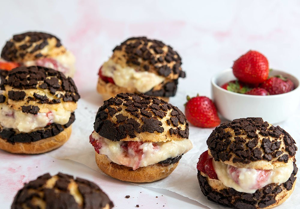 neopolitan cream puffs