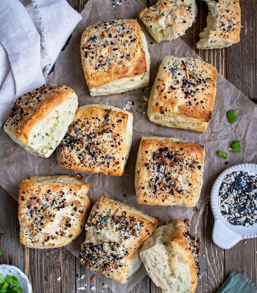 everything bagel scallion biscuits