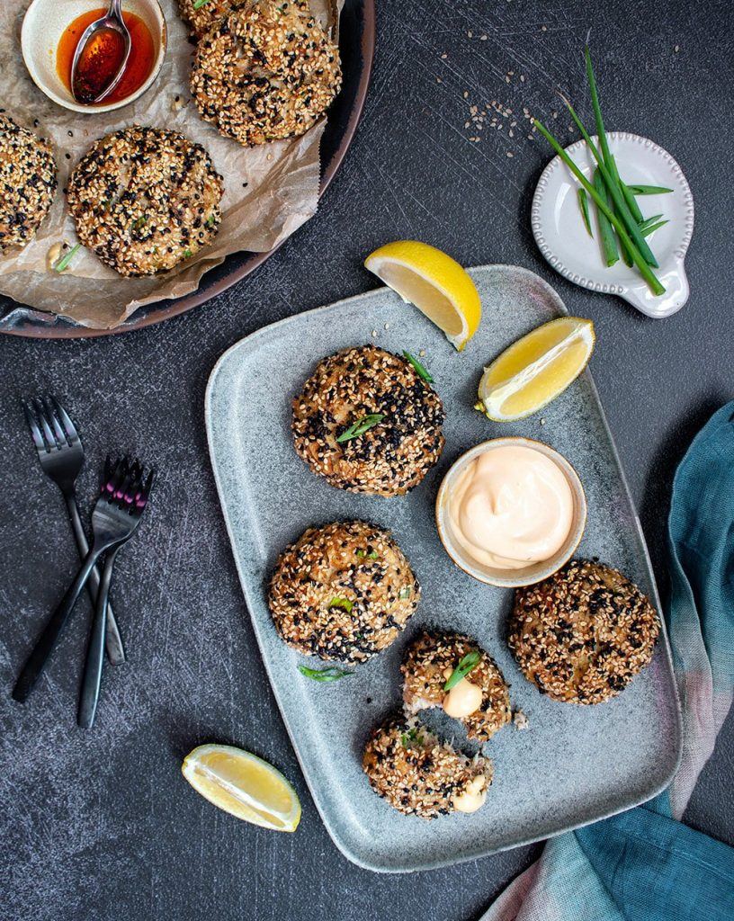 sesame crusted crab cakes