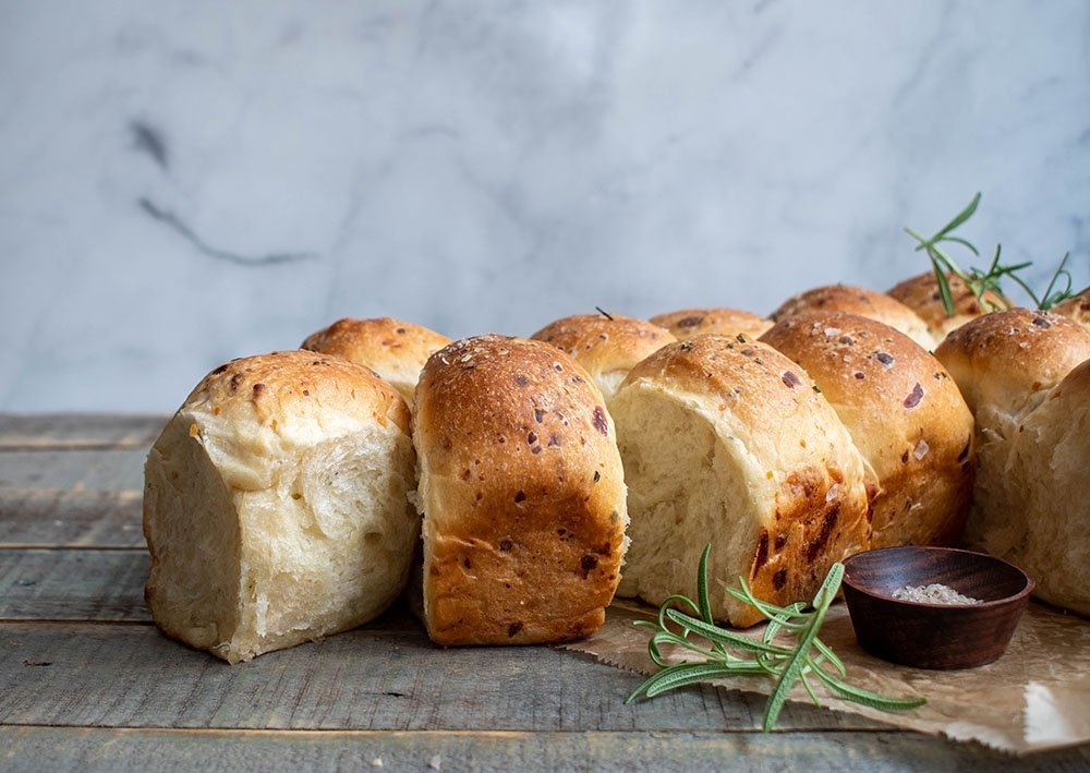rosemary gruyere dinner rolls